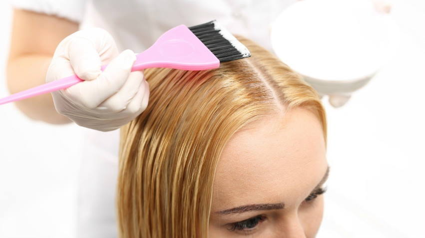 The Best Process to dye Your hair with oil in it